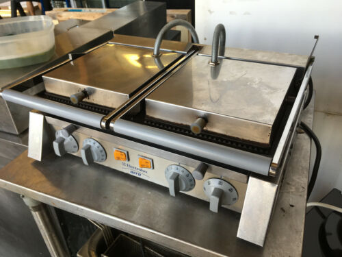 Electrolux DGR20 Double Commercial Panini Press, Cast Iron Grooved Plates - Used