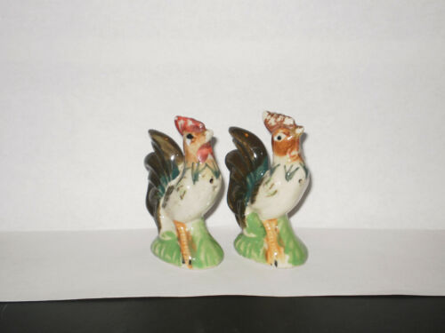 VINTAGE ROOSTER SALT N PEPPER SHAKERS  1940