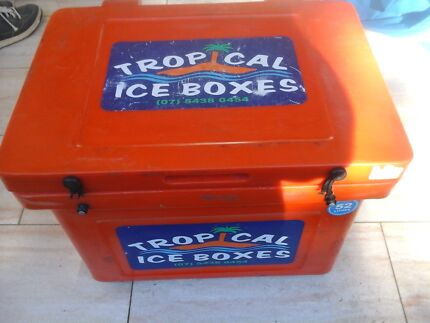 Tropical ice box needs new straps North Richmond Hawkesbury Area Preview