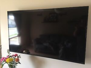 60 inch Visio LED smart TV  with wall mount