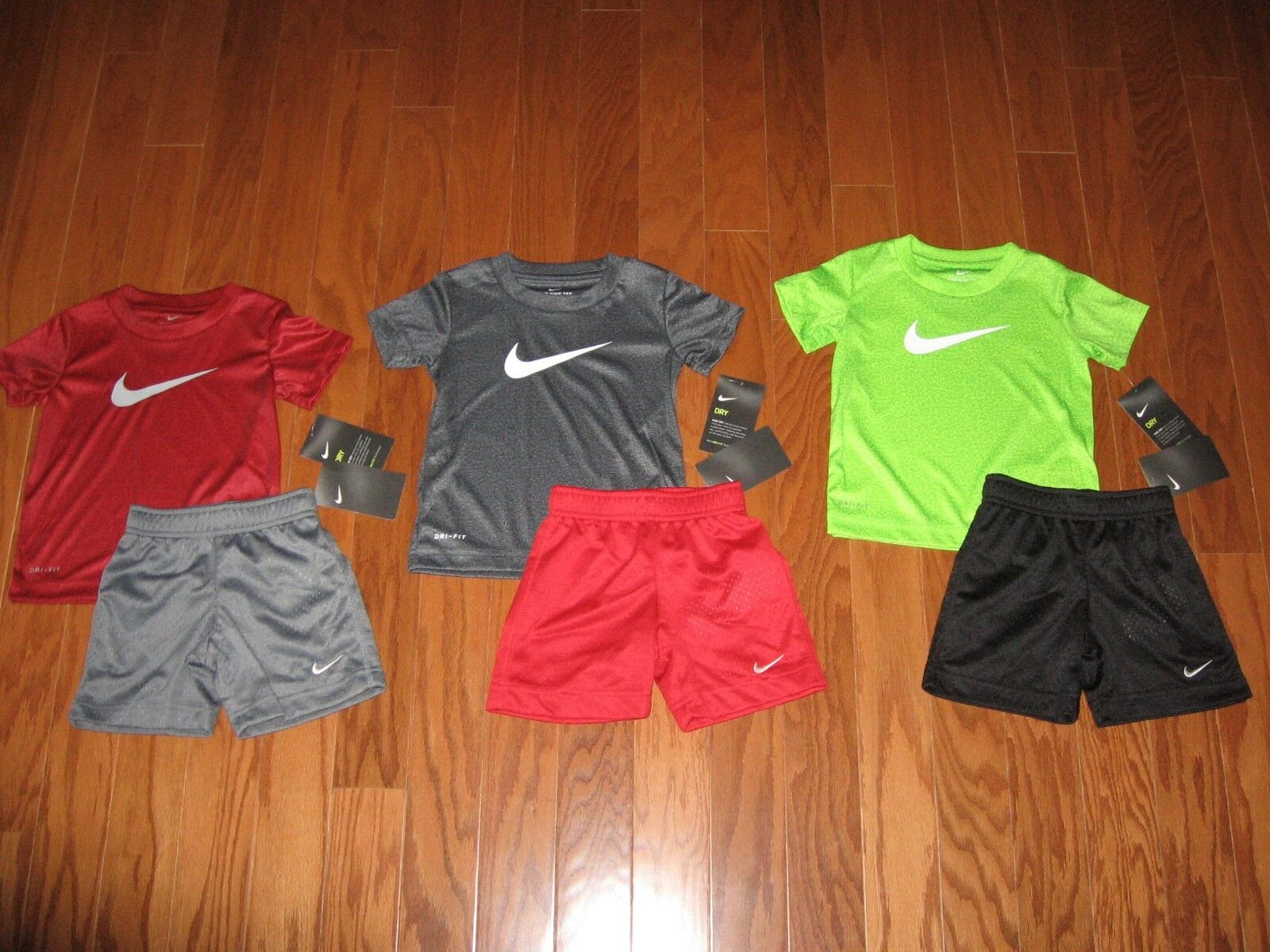 Nike 2-Piece T-Shirt & Shorts  Set Boys 2T / 3T/ 4T NWT