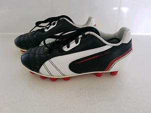 Puma Football/Soccer Boots - Kids size 11 (US) Beeliar Cockburn Area Preview