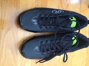 Size 7 soccer cleats(boys or men)