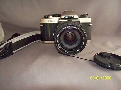 Nikon FM10 35mm SLR Film Camera Set