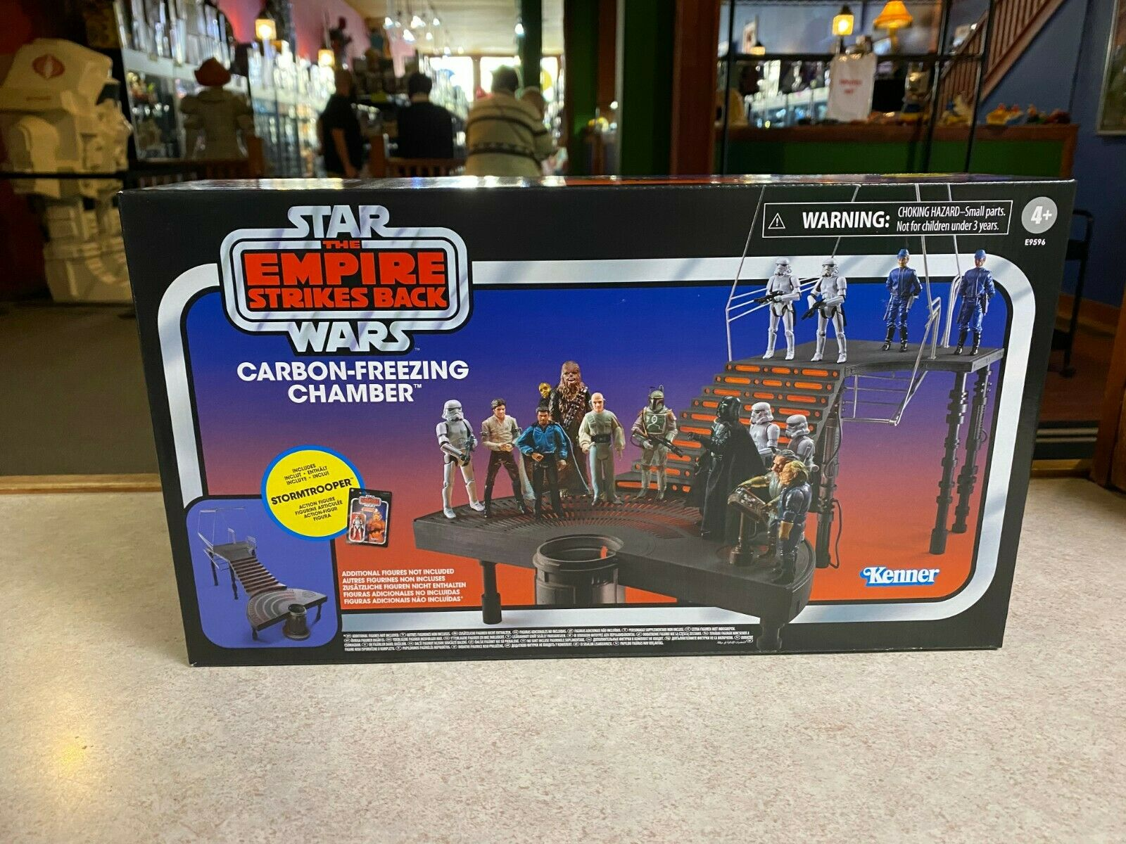 2020 Star Wars Vintage Collection CARBON FREEZING CHAMBER Pl
