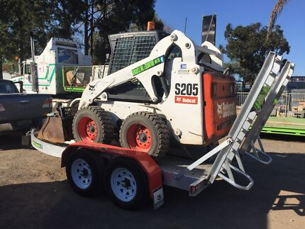 HIRE ME $280 day LARGE Bobcat on trailer Excavator tipper trencher etc Thornton Maitland Area Preview