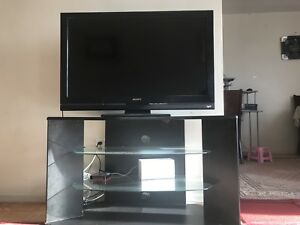 Tv with Tvtable