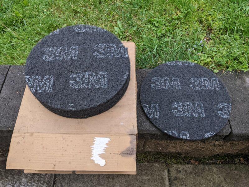 "3M Black Machine Scrubbing Stripping Pads 14"" Diameter ""Box of 5"" NOS"