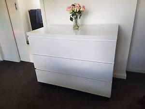 White Chest of Drawers Macleod Banyule Area Preview
