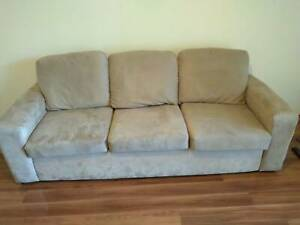 3-seater Couch in great condition (used)