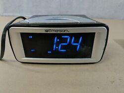 Emerson SmartSet Dual Alarm AM/FM Clock Radio Model CKS9031 Digital LED J8