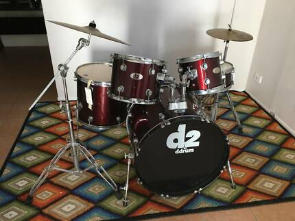 Professional Drumset (Very Good Condition) with Cymbals