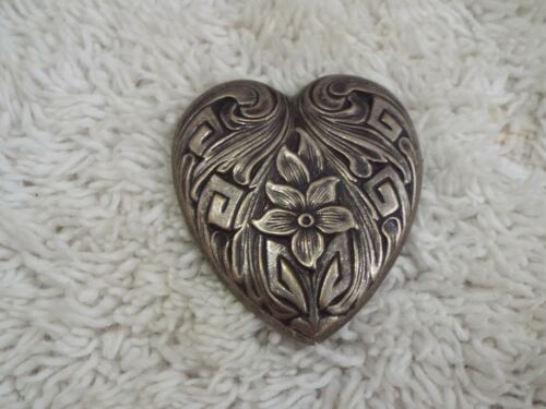 Silvertone Embossed Floral Heart Button Cover (F8)