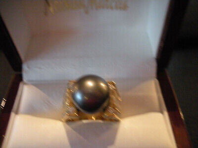 Ladies Black South Seas Pearl and Diamond Ring in an 18K Yellow Gold Setting