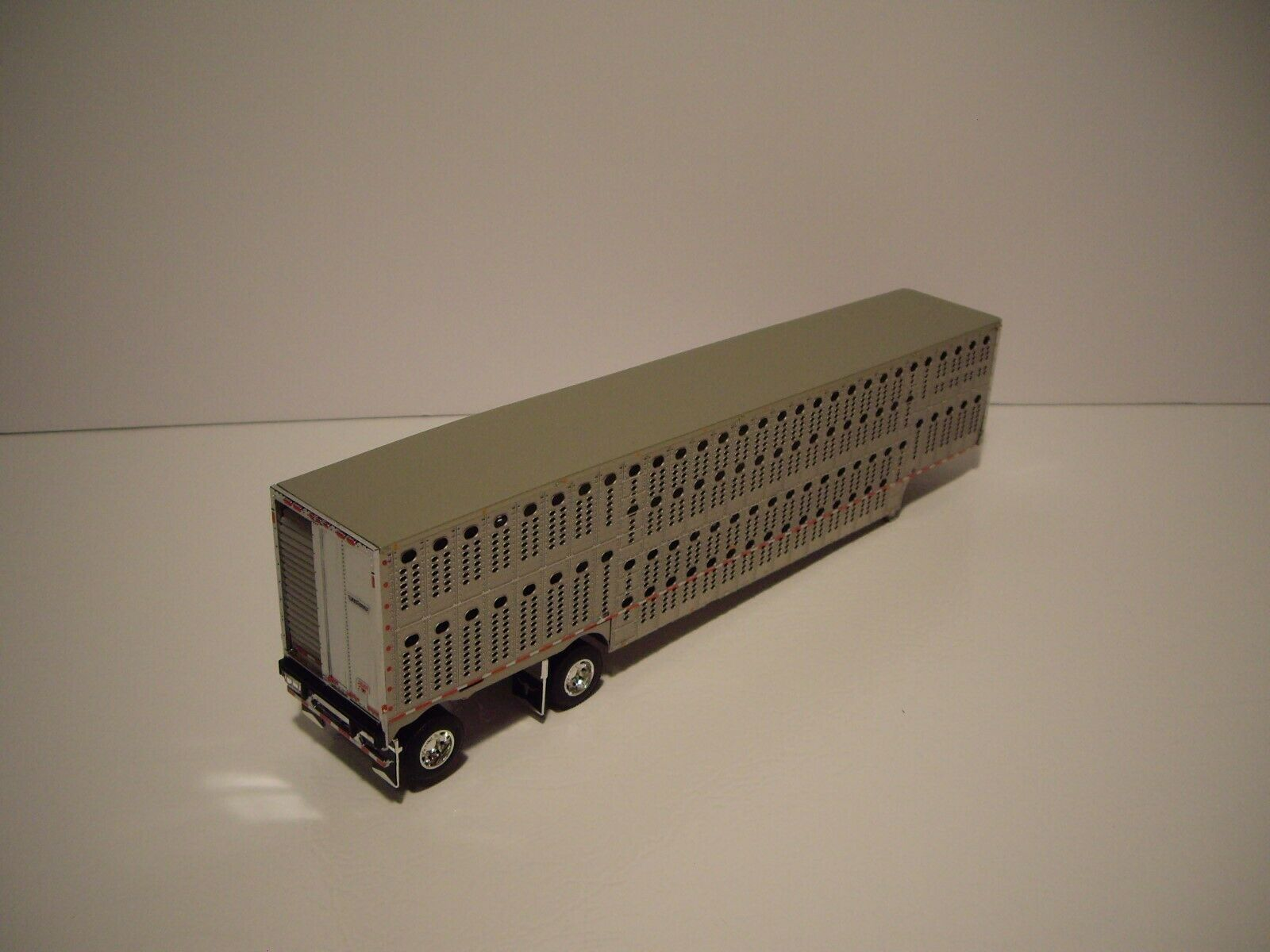 DCP FIRST GEAR 1/64 SILVER SIDED SPREAD AXLE WILSON LIVESTOCK TRAILER 2
