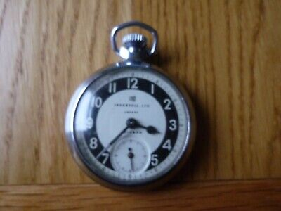 VINTAGE POCKET WATCH INGERSOLL TRIUMPH MILITARY DIAL BLACK / WHITE VERY NICE CON