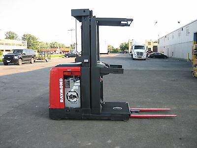 Raymond Forklift Order Picker 3000lb Cap. 204lift 42 Forks Wbatterychgr