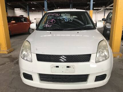 Wrecking 2006 Suzuki Swift EZ Hatchback in white