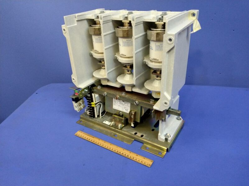 Eaton Cutler-Hammer Type SL 7.2kV 400A Medium Voltage Vacuum Contactor