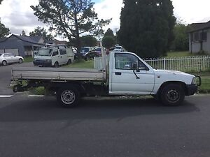 Toyota hilux manual 3months rego great reliable ute Yennora Parramatta Area Preview