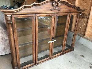 Beautiful antique solid oak hutch and dining room set