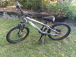 Boys bike, Giant 20 inch, 6 speed Salamander Bay Port Stephens Area Preview