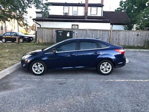 2012 Ford Focus FULLY LOADED (Bluetooth,remote start)