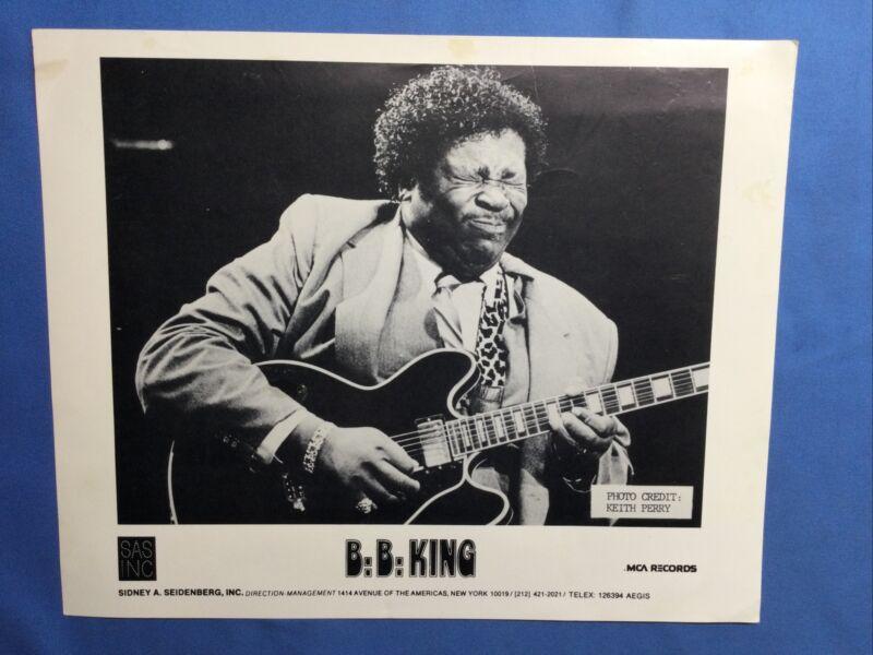B.B. KING BAND SIGNED PHOTO BLUES LEGEND AUTOGRAPH 8 X 10