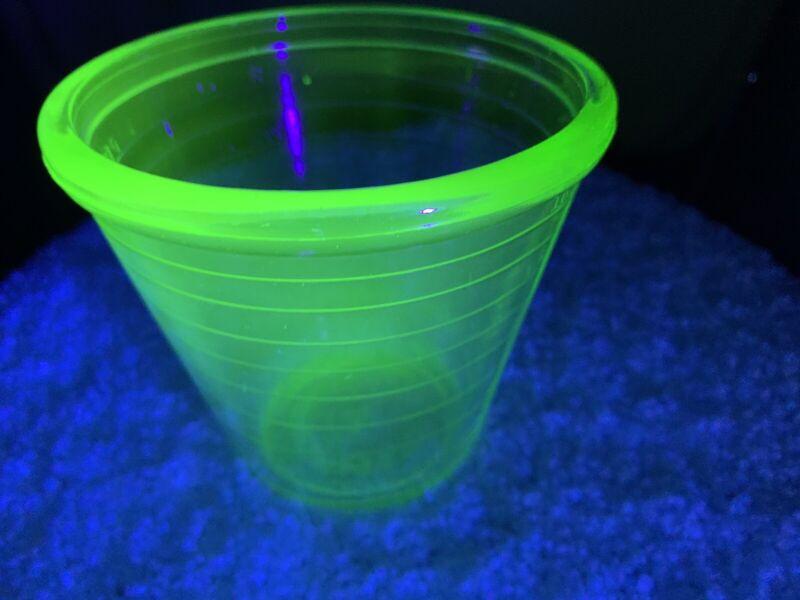 URANIUM GREEN HAZEL ATLAS MARK DEPRESSION GLASS MIXER BOTTOM ONLY, NO BEATER