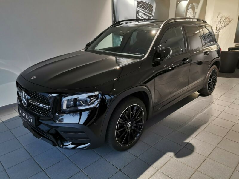 Mercedes-Benz GLB 200  AMG - Multibeam 360° Pano AR Distronic
