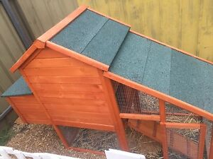Large chicken coop Woodcroft Morphett Vale Area Preview