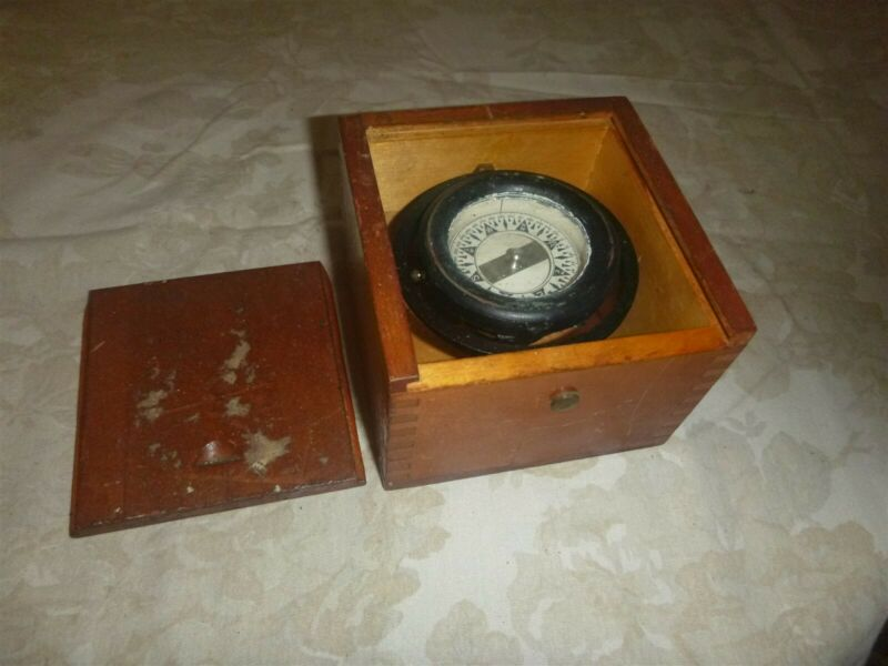 Vintage Dirigo ?  Nautical Compass Washington USA In Dovetailed Wooden Box Case