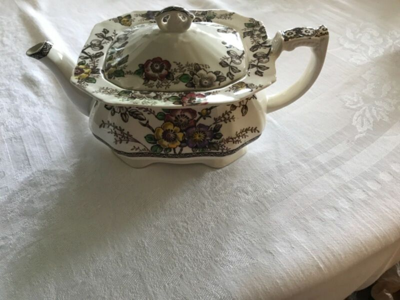 Alfred Meakin Medway Teapot in good condition