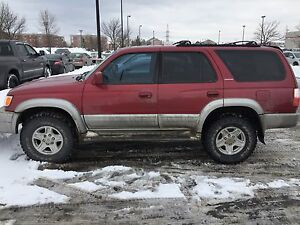 Toyota 4Runner Limited 134,000km