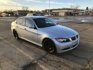 BMW 323i 2006 (low km)
