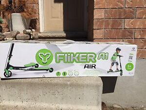 Kids 3 - wheel scooter for sale - brand new