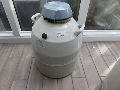 Forma Scientific Cryomed Nitrogen Storage Tank W 1 Rack Cryogenics Model 8038
