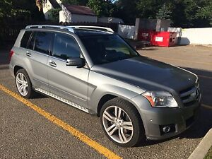 Excellent condition MB glk 350 to go