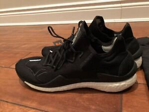 ce2e22faa y3 size 9.5 regular price  300US selling for  275CAD