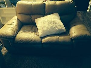 Beige leather set for sale London Ontario image 2