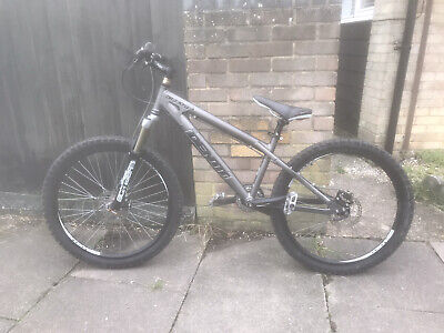 Identiti Dr Jekyll Downhill / Dirt Jump / Trial Hardtail Mountain Bike