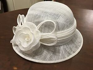 Brand New, Beautiful Feather Fascinators Lady Hats are on Sale