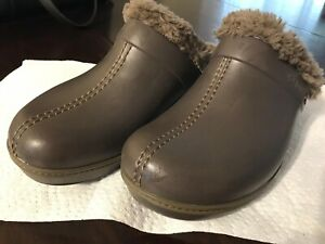 7a3651efca5236 Women s Crocs size W 10 LIKE NEW