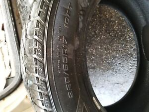 225/65 17 Pneu d'hiver Winter tires