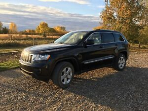 2011 Jeep Grand Cherokee- no taxes- great for winter!