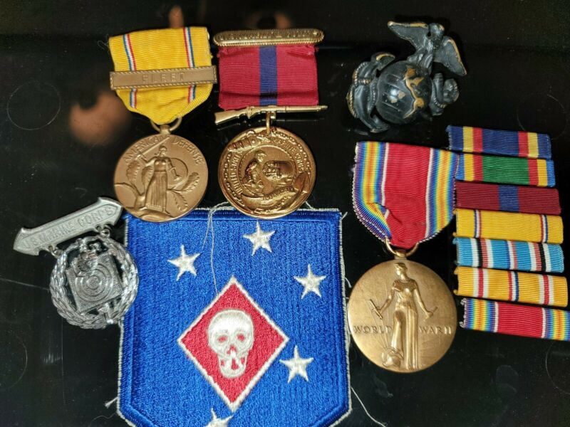WW2 USMC MEDALS ,MARKSMAN  BADGES STERLING  , RIBBONS VERY REAL THING !!!