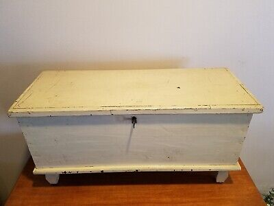 19th C. Primitive Miniature Blanket Chest Early Grain Painted Interior