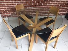 MUST SELL!!! 150cm diameter glass table - PERFECT CONDITION! Willoughby Willoughby Area Preview