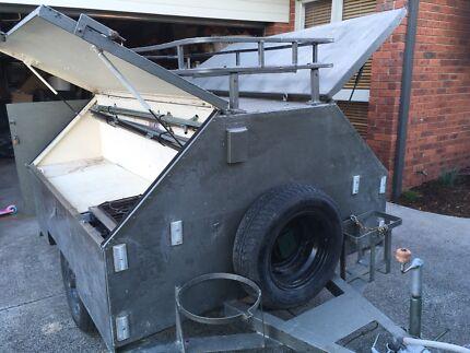 Tradesman Camper trailer including inbuilt gas cooktop/oven