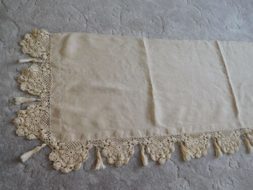 LINEN hand crochet scallop lace edge tassels PIANO SCARF Dresser Table vintage